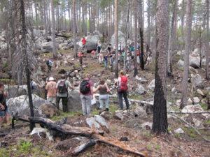 Skogsdiskussioner under Forskningsresan 2011.